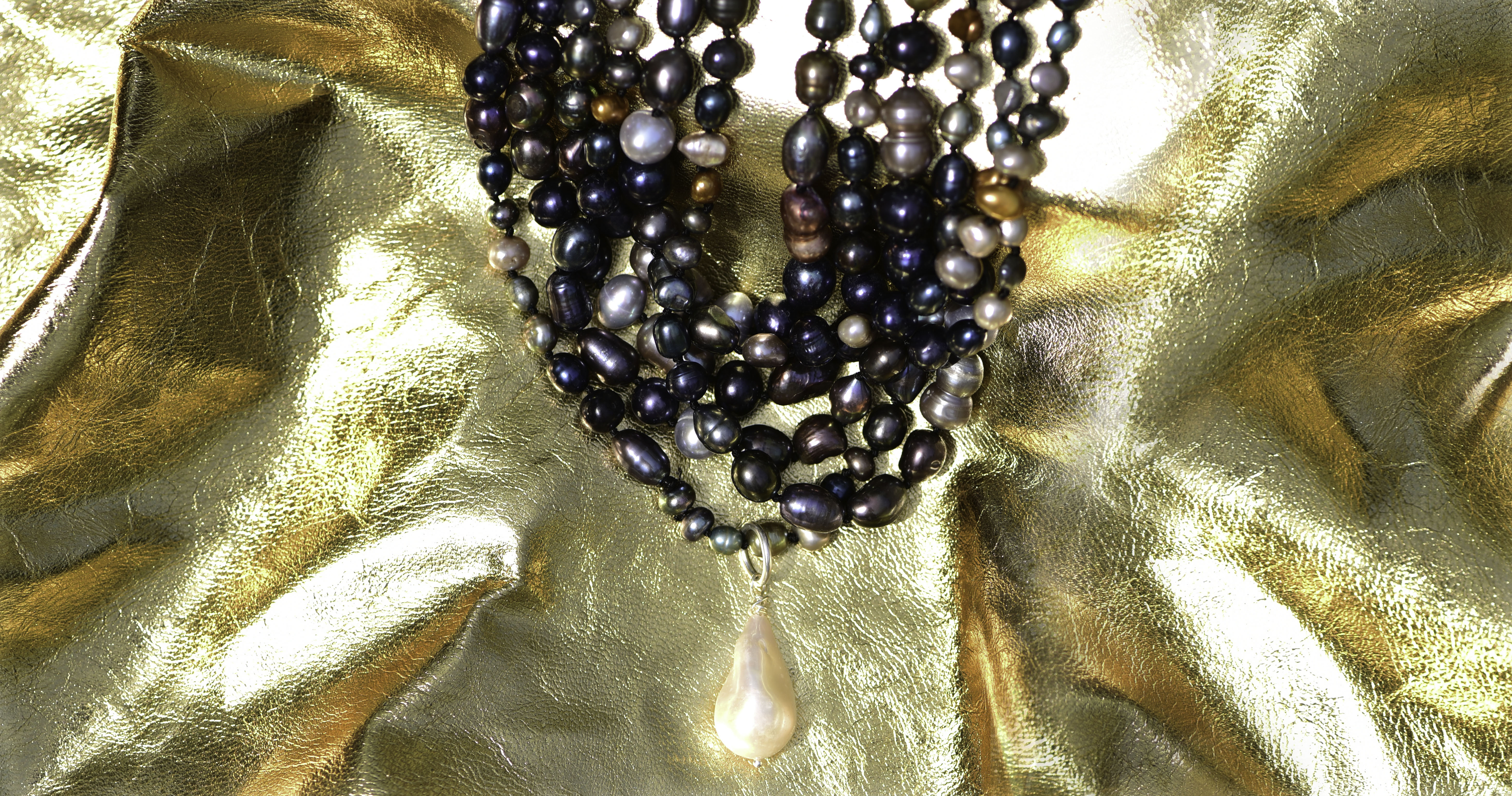9. N-LPB _Long Pearl Necklace w. Baroque VJJ